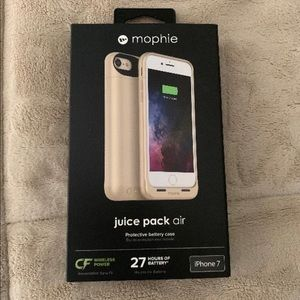 iPhone 7  MOPHIE case